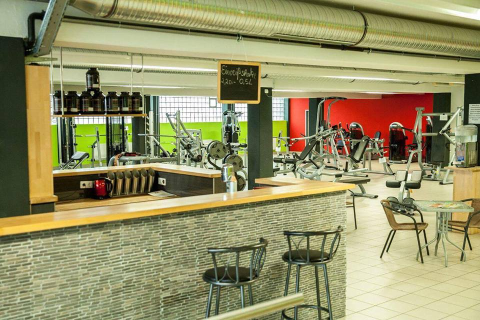 mirkos-gym-offenburg-fitness-center-krafttraining-cardio-sport-9