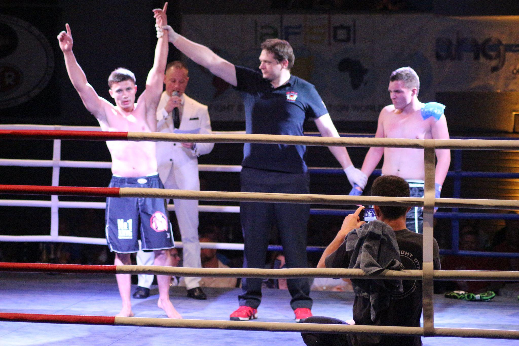 Mirkos Fihgt Night, Schutterwald, Offenburg, Kickboxen, K1, MMA-8